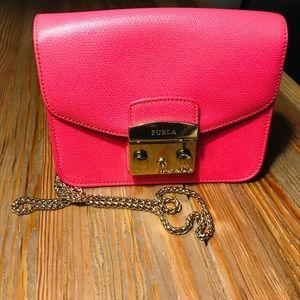 Furla metropolis crossbody bag in pink calfskin
